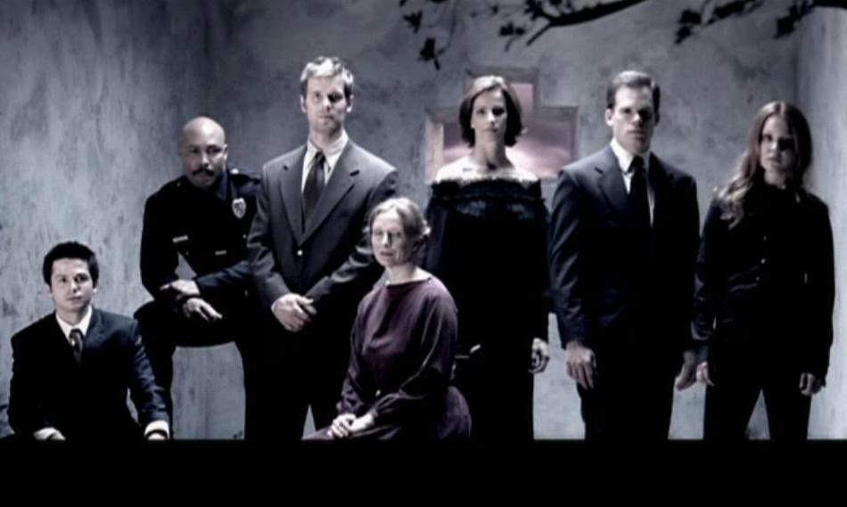 Six Feet Under Tv Show: Entertainment Point: Six Feet Under(TV Series 2001–2005