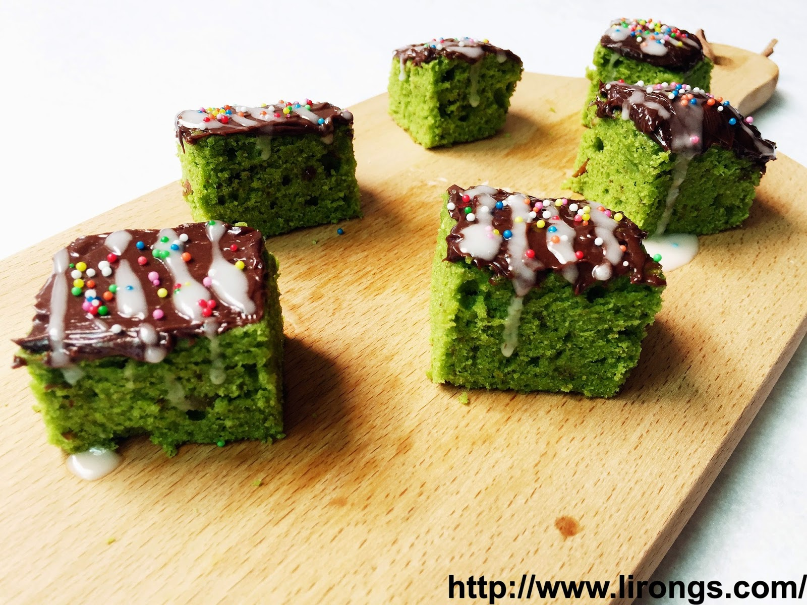 Matcha Brownie | 17 Christmas Brownie Recipes You Can Give As Presents