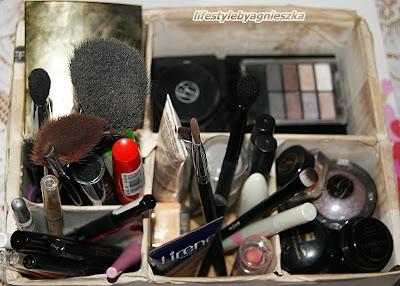 Opróżniamy kosmetyczki - kosmetyki do makijażu