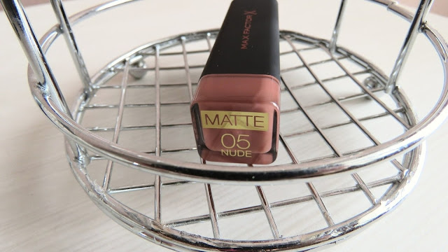 MAX_FACTOR_velvet_mattes_lipstick_nude
