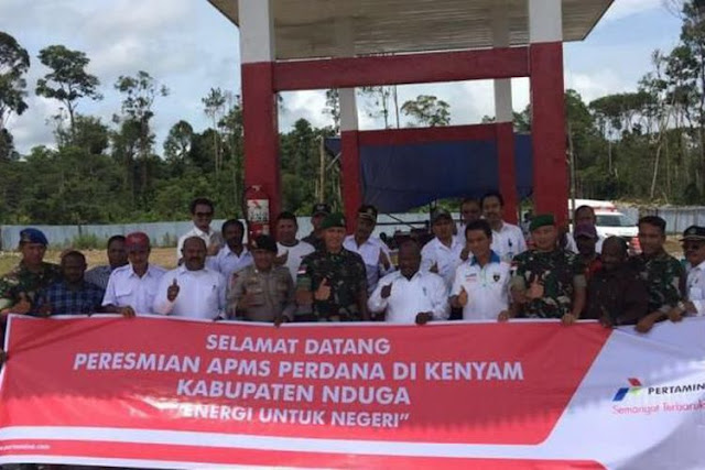 Tokoh Papua Sebut Harga BBM Turun Hanya Saat Jokowi Blusukan, Stafsus Presiden Jawab Dengan Pertanyaan Telak Ini...