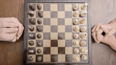 كيف تلعب الشطرنج: القواعد والأساسيات