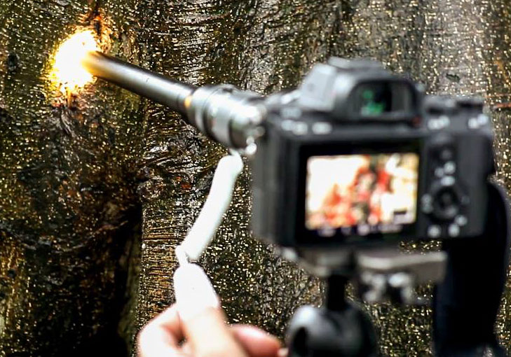 Объектив Laowa 24mm f/14 Relay 2x с включенной подсветкой