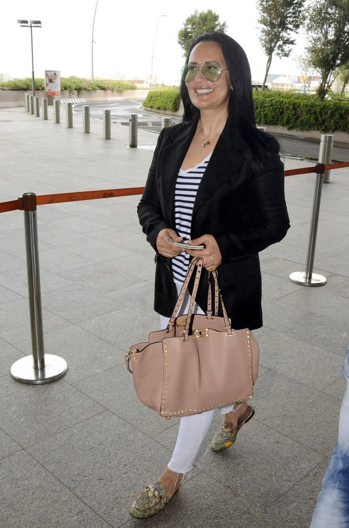 Ayesha Shroff Spotted at Airport