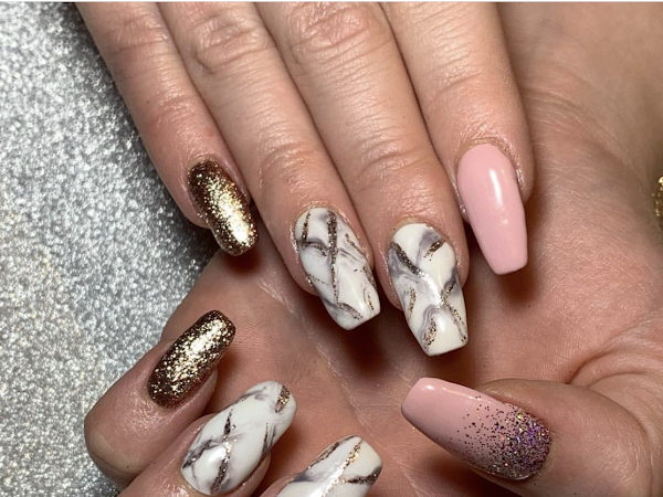 NOTD | Glitter, Marble & Pink
