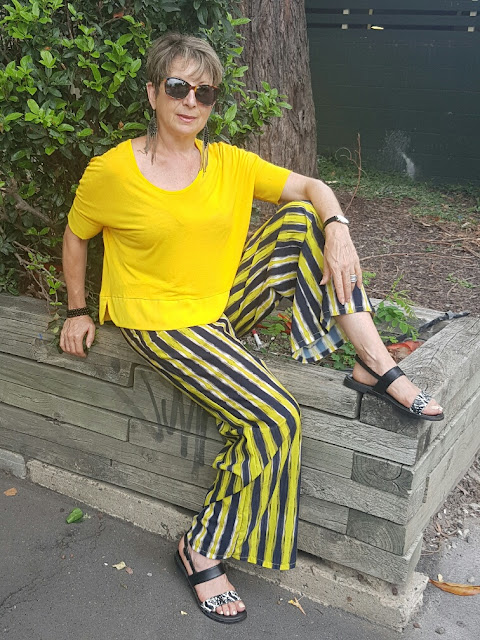 BRIGHT ON BRIGHT OR HOW I STYLED PALAZZO PANTS