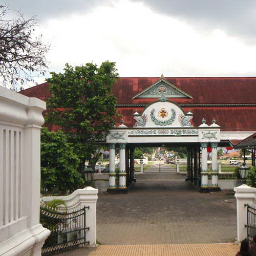 Tinuku Travel The Palace of Yogyakarta Kingdom