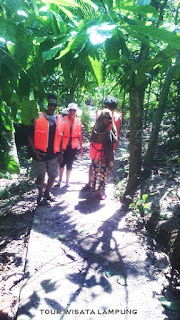 hiking ke laguna gayau