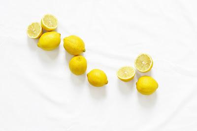 Limoni su marmo