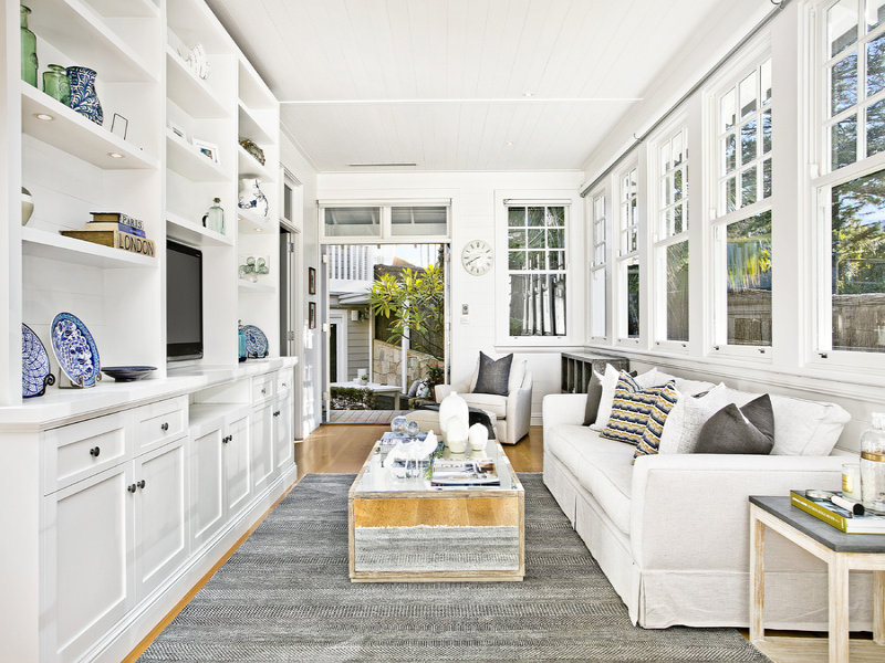 Stunning hamptons style beach house in collaroy desire for Hampton style beach house plans