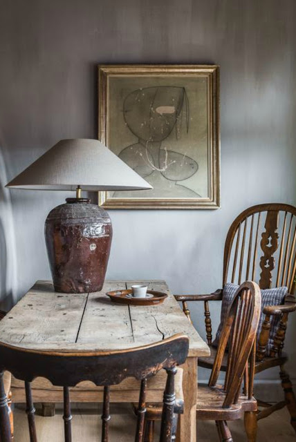 Rustic decor in a Belgian dining room - found on Hello Lovely Studio