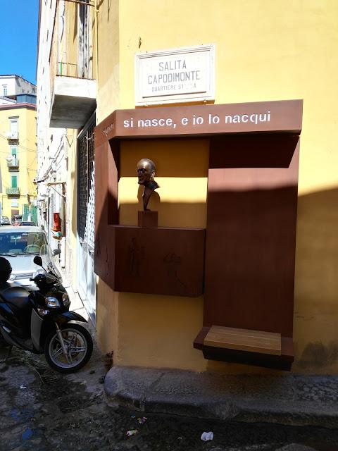 Statua di Totò-Rione Sanità-Napoli