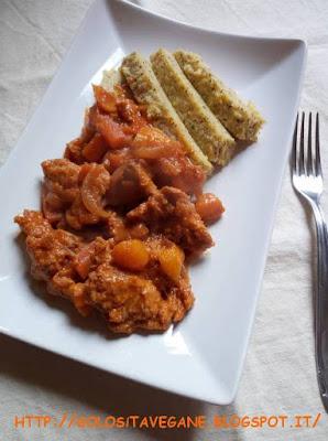 Spezzatino di soia piccante con albicocche secche