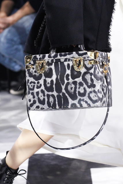 Louis Vuitton Fall/Winter 2016-2017 {Cool Chic Style Fashion}