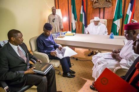 Buhari Bans 50 High Profile Nigerians From Travelling Abroad
