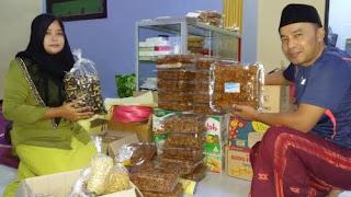 Mantan TKI Banyuwangi bisnis makanan ringan.