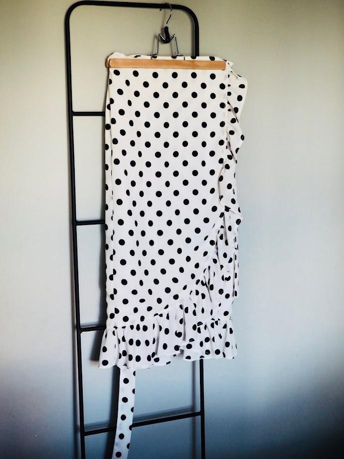 photo-falda-lunares-blanco-negro-sur-la-route-flashdance-camiseta