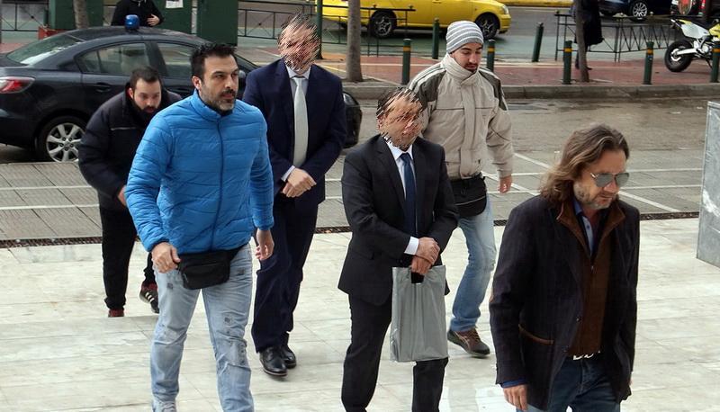 Σε μια κλωστή η απόφαση για τους οκτώ Τούρκους στρατιωτικούς