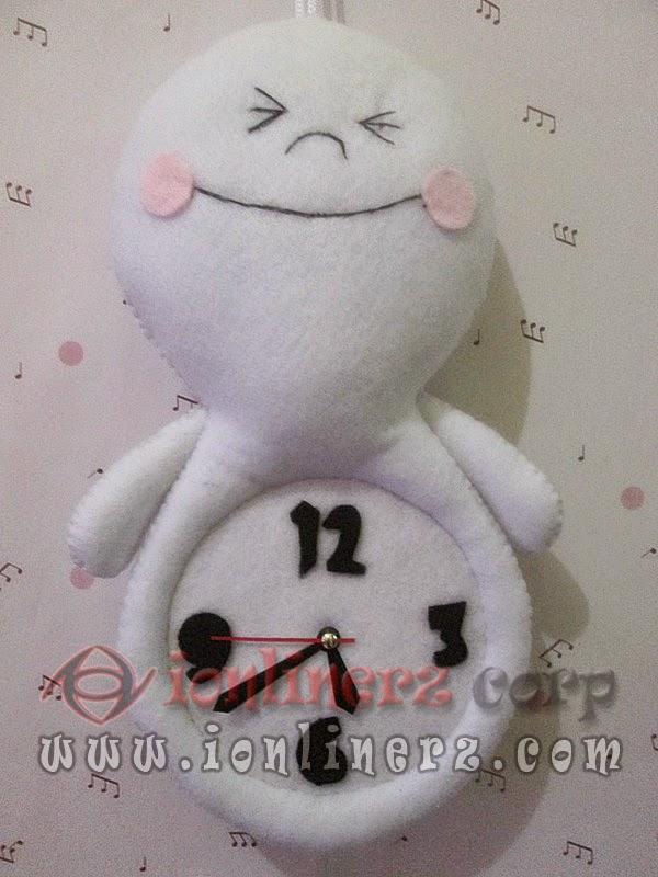 Jam Dinding Flanel Karakter Kartun Boneka Moon (LINE)
