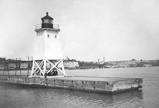 historic image of lighthouse
