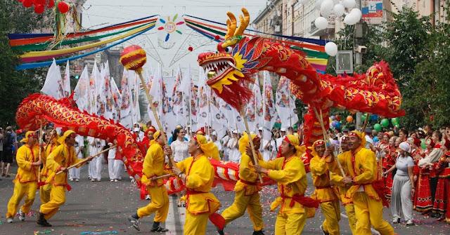 Resultado de imagem para dança do dragão chinês