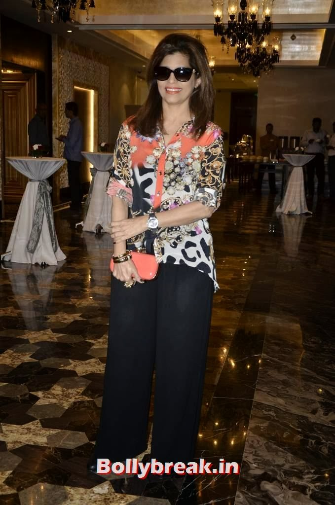 Beena Aziz, Yesteryear Actresses at the Launch of Fit at 40 Book