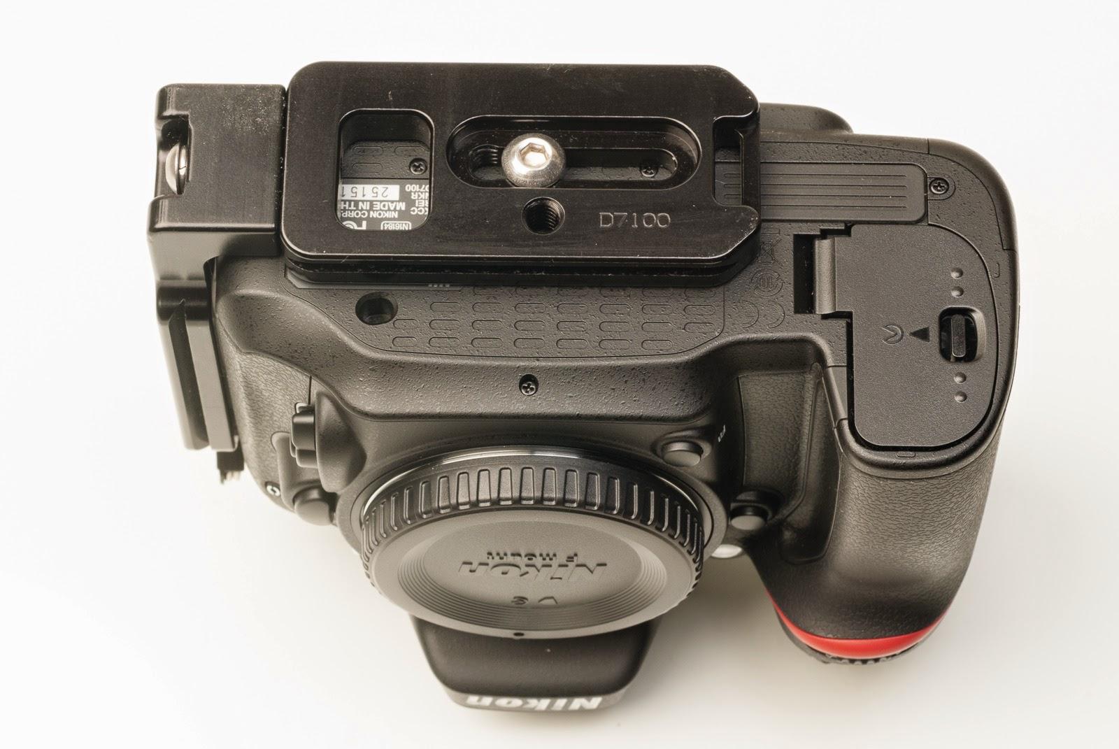 Nikon D7100 w/ ND-7100 L bracket - bottom