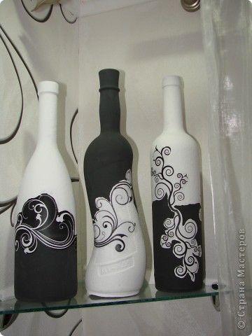 14 ideas para decorar botellas de vidrio en blanco y negro for Ideas para decorar botellas