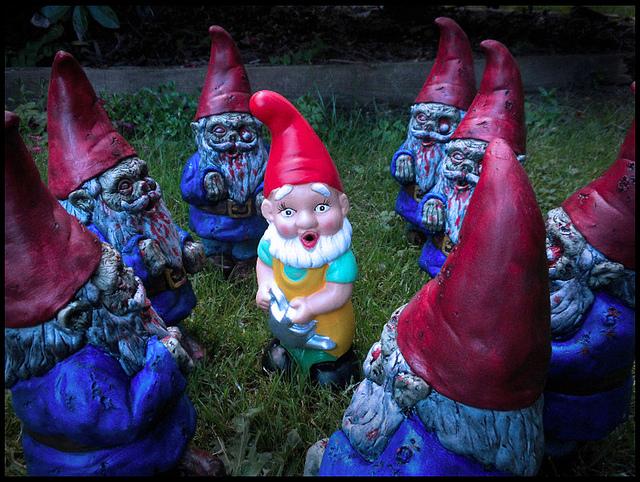 Gnome In Garden: Gnombie Apocalypse