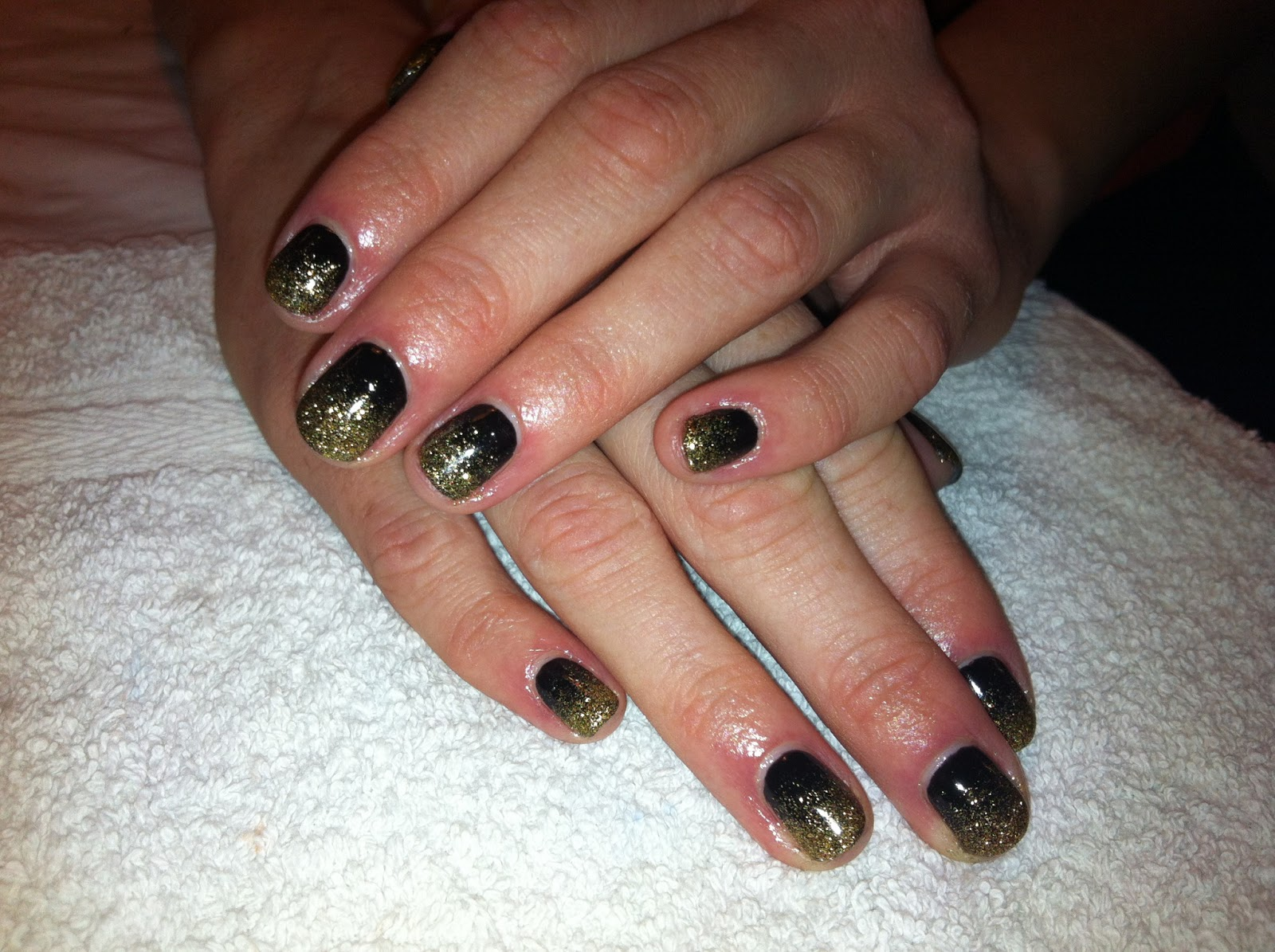 Cnd Shellac Nail Art Black And Gold Glitter