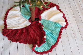 TriSquare Swirl Christmas Tree Skirt