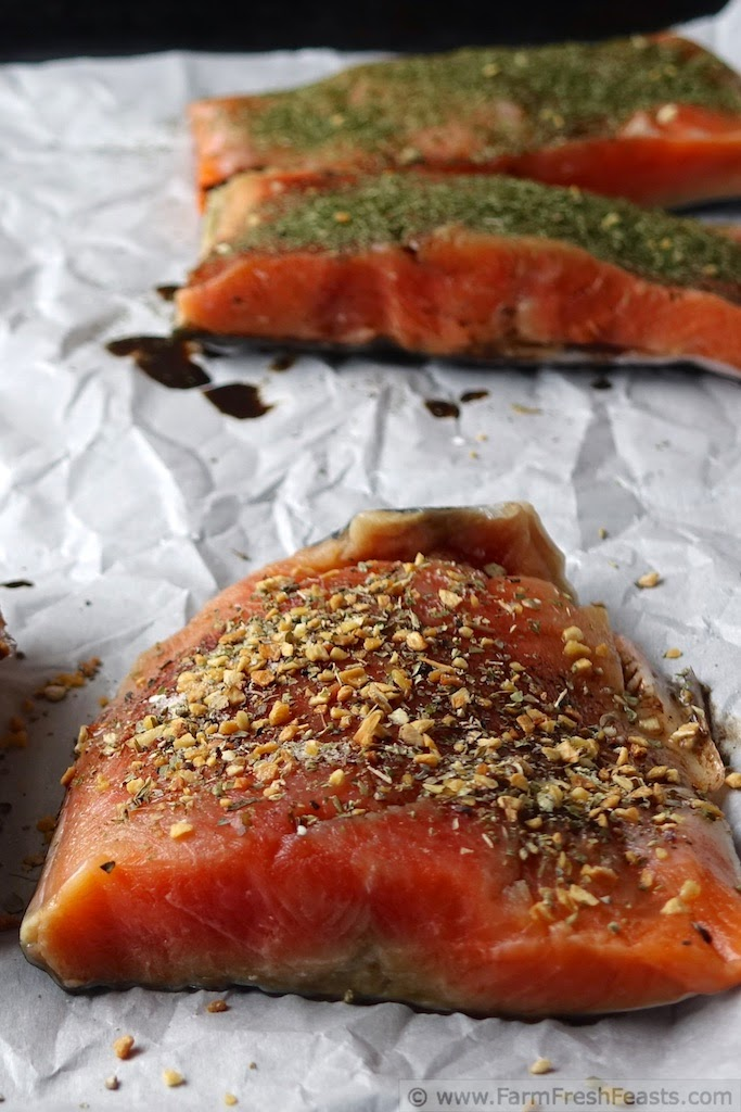 http://www.farmfreshfeasts.com/2015/03/greek-seasoned-salmon-artichoke-and.html