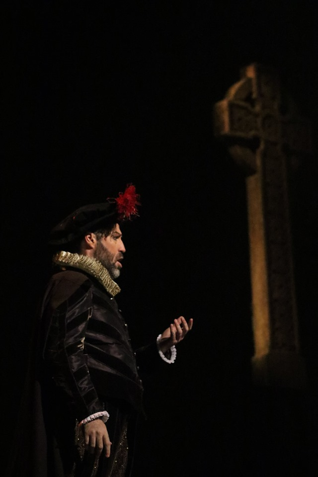 IN REVIEW: baritone JONATHAN HAYS as Giorgio Talbot in Piedmont Opera's October 2019 production of Gaetano Donizetti's MARIA STUARDA [Photograph © by André Peeler & Piedmont Opera]
