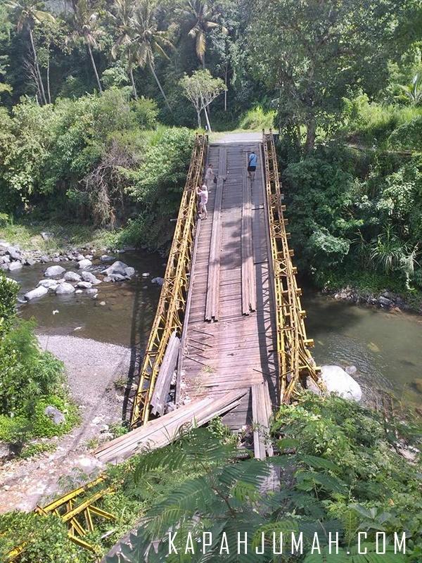 Jembatan Sidemen - Gunung Sangkan Belum di Perbaiki