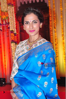 Actress Model Shilpa Reddy Exclusive Stills in Blue Saree at Vijay Karan Aashna Wedding  0036.JPG