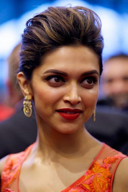 'ব্রেক আপ' হয়েছে কী হয়নি Deepika Padukone-এর?