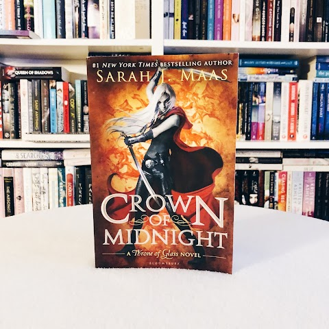 Review: Crown Of Midnight by Sarah J. Maas