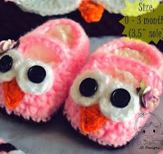 http://damnitjanetletscrochet.blogspot.ca/2012/08/baby-owl-booties.html
