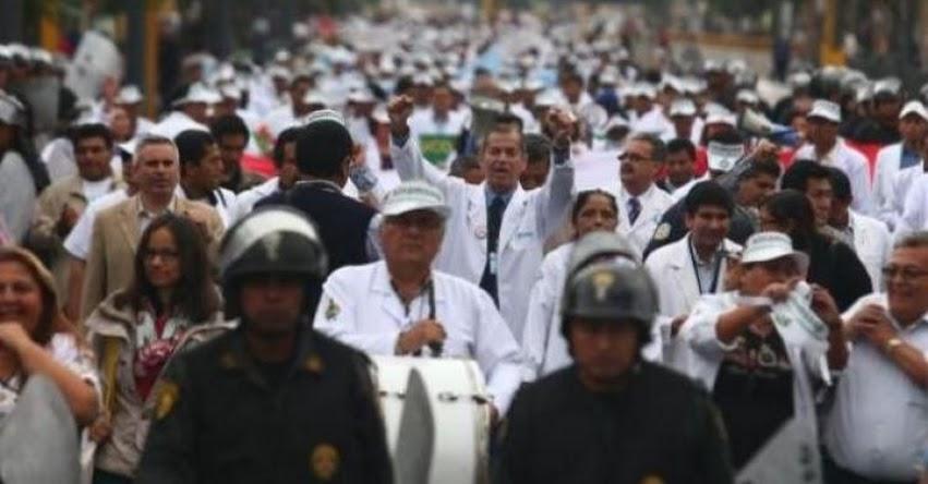 Federación Médica Peruana anuncia paro nacional de 48 horas (28 y 29 Noviembre)