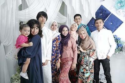 Naimma Aljufri Bersama Keluarganya