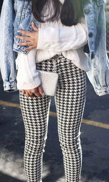 what to wear with a denim jacket : white sweater + skinny pants