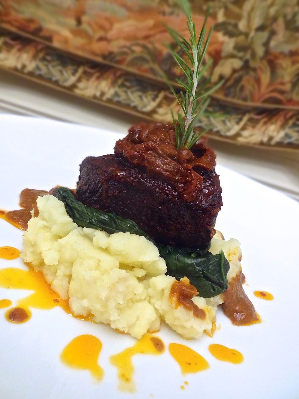 Scrumpdillyicious: Braised Short Ribs With Porcini-Port Wine Sauce