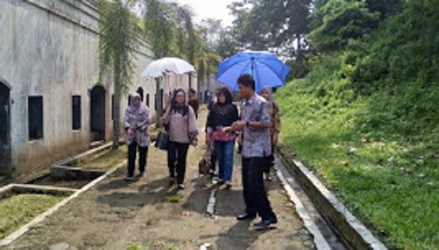 Ketua Persit PD IV Diponegoro Kunjungi Benteng Pendem Teluk Penyu Cilacap