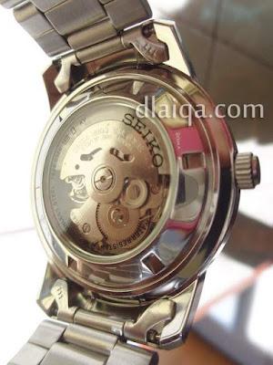 arloji automatic, tampilan belakang biasanya transparan