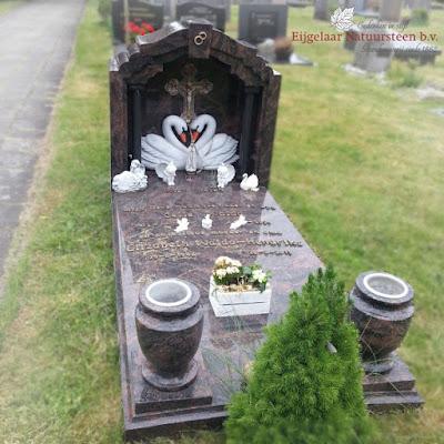grafsteen tempel, tempel grafsteen, grafsteen tempeltje