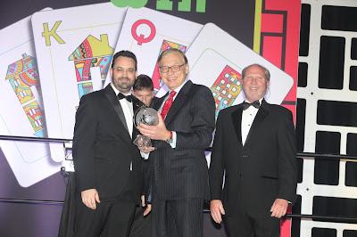 Becker Shareholder J. David Ramsey accepting an award