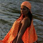 Renata Gonzalez Fotos Vestida De Color Naranja Foto 5