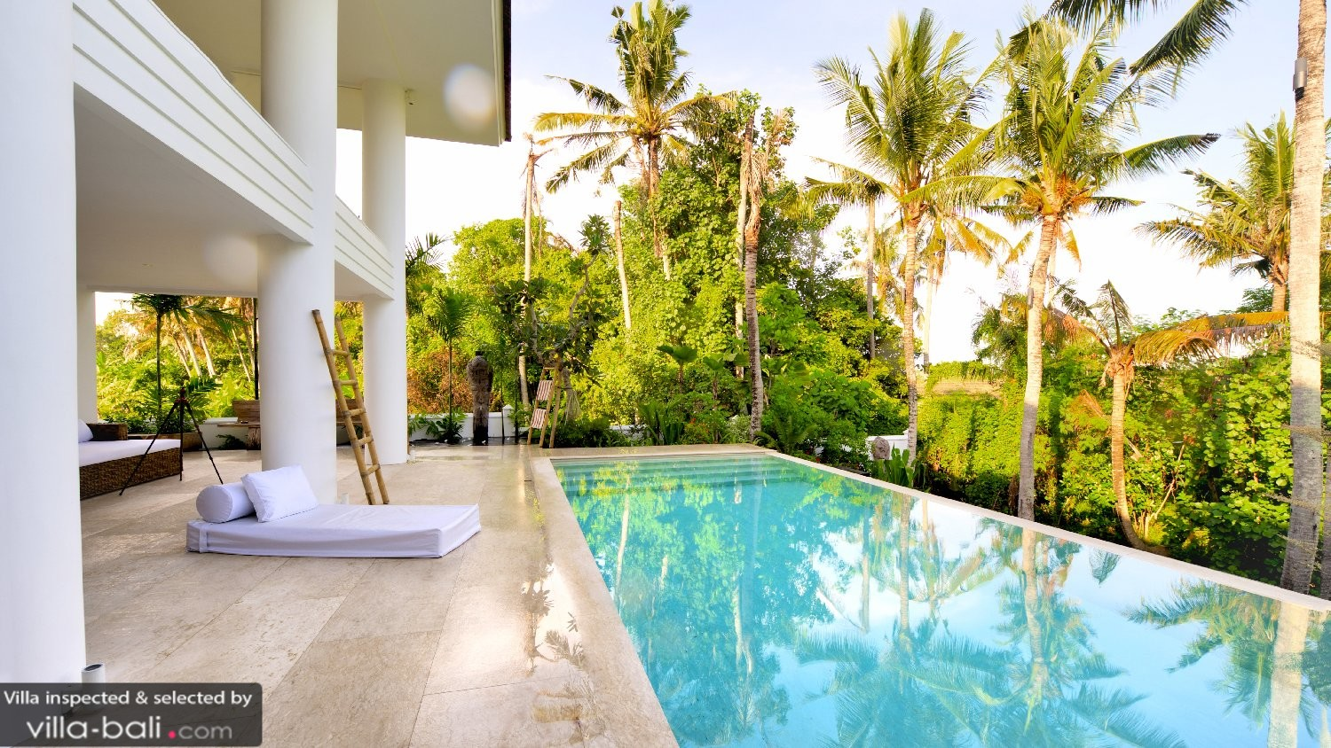 Luxurious Balinese Villa Infinity Pool