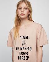 https://www.pullandbear.com/pl/pl/dla-niej/odzie%C5%BC/koszulki/koszulka-z-napisem-c29020p500052021.html#966