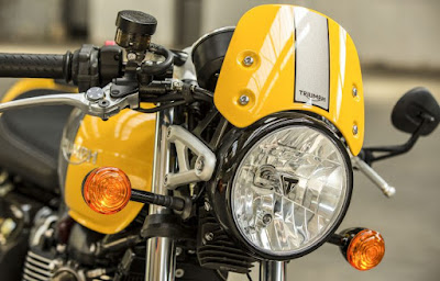 2016 Triumph Street Cup Headlight